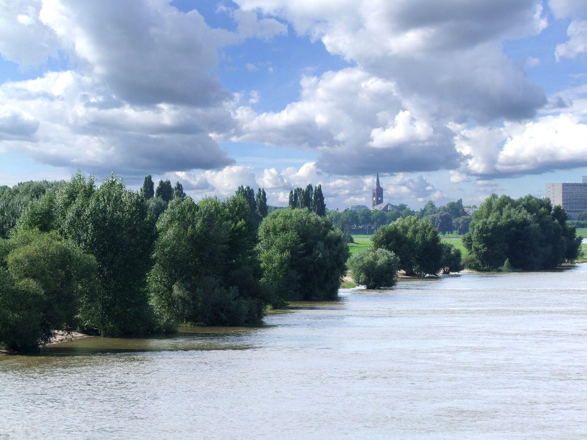 Der Rhein bei Düsseldorf #ebookers