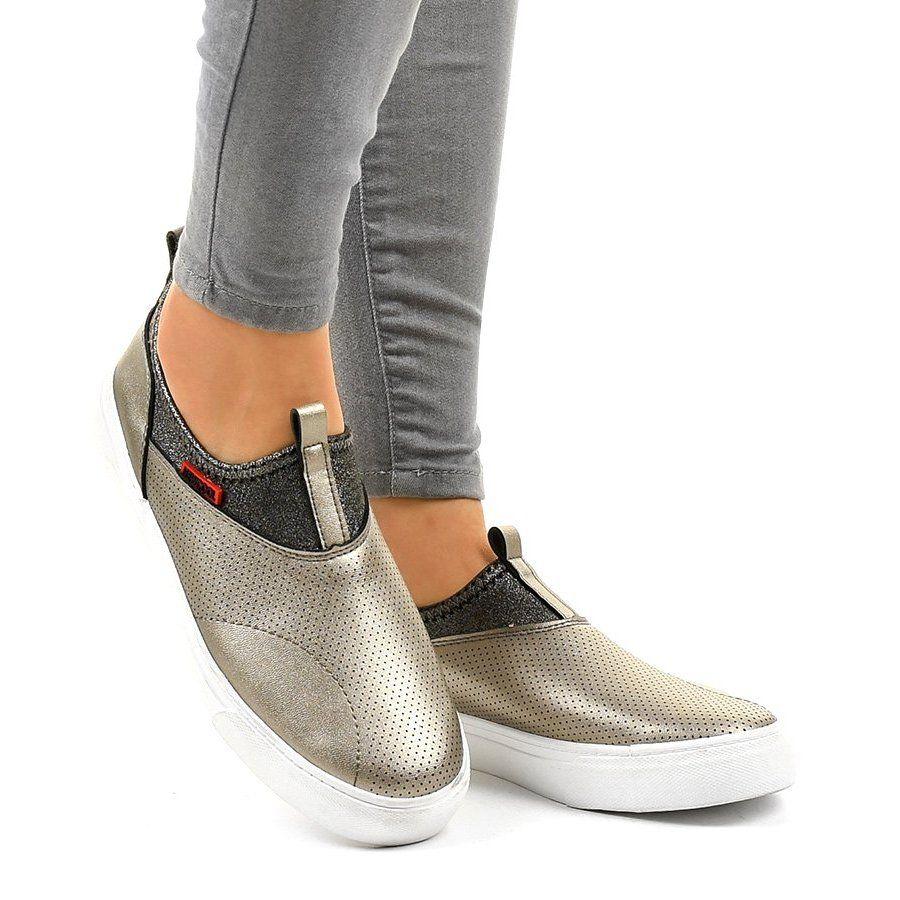 Zlote Trampki Z Gumka A 92 Zloty In 2020 Shoes Slip On Sneaker Sneakers
