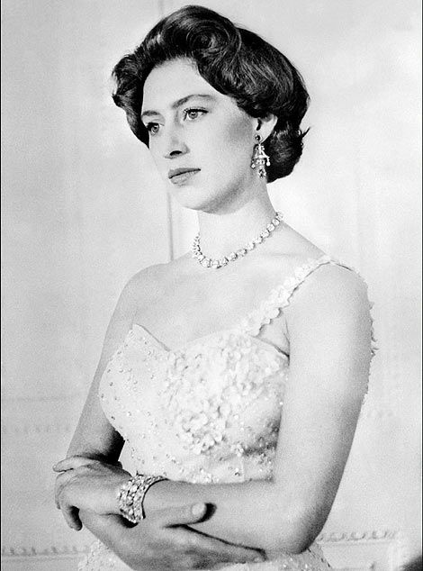 Antony Armstrong Jones 1st Earl Of Snowdon Spouse Margarita Del Reino Unido Princess Margaret Royal Hairstyles Royal Family