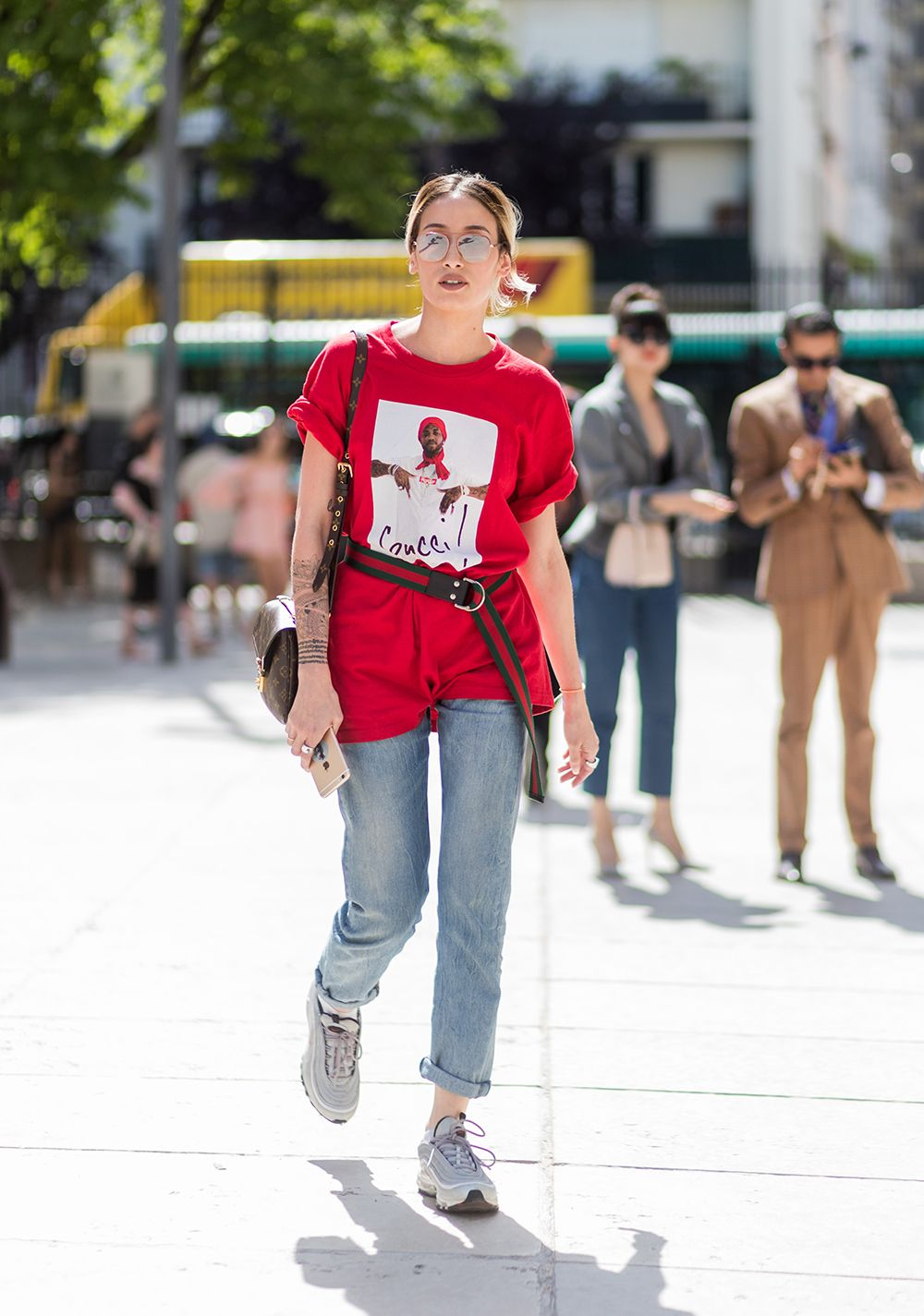 ec73e1896 STYLECASTER | Graphic Tees | How to Wear a Graphic Tee | Graphic Tee  Outfits | 32 Cool Graphic Tees for Summer
