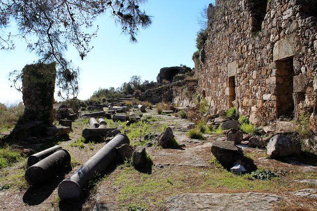 lauluni sadepäivän varalle: Antiikin aikainen Syedran linnoitus #alanya #turkki #turkey #travel