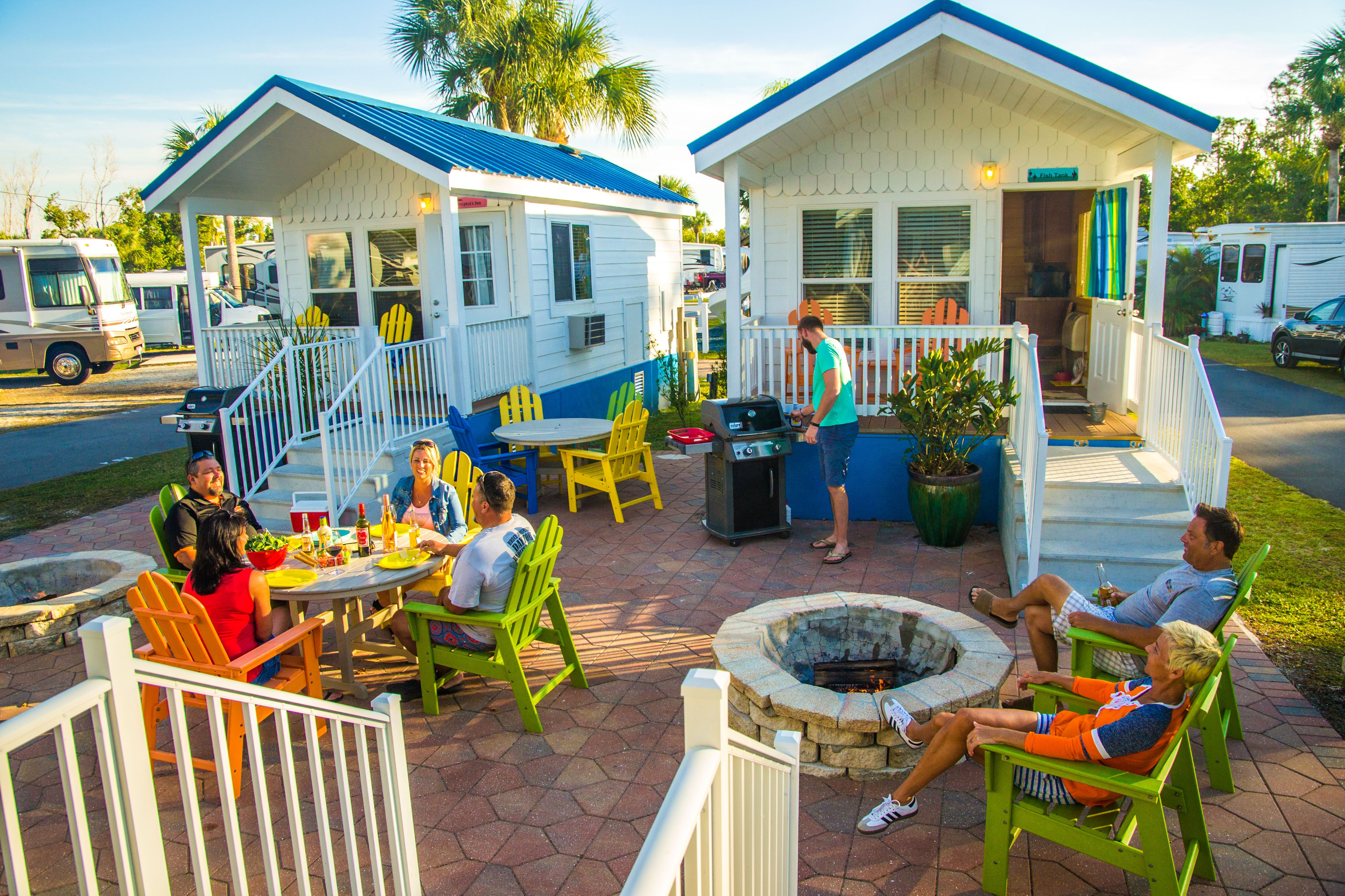 Deluxe Cabins That Offer Outdoor