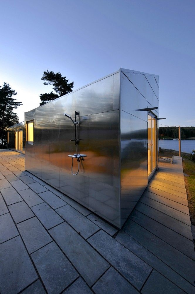 The Aluminum Cabin / JVA