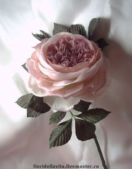 Броши ручной работы. Заказать Староанглийская роза. Светлана Лемаева ЦВЕТЫ ИЗ ТКАНИ. Ярмарка Мастеров. Атлас