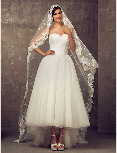 One-tier Cathedral Wedding Veil With Applique