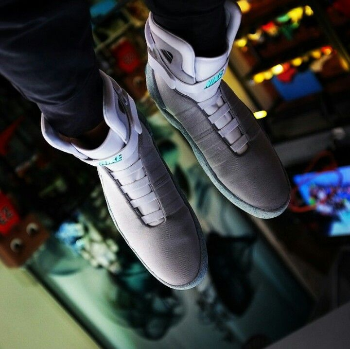 2011 Nike Mag shoe worn by MJFOX in Back to the Future ... |Nike Mag Outfit