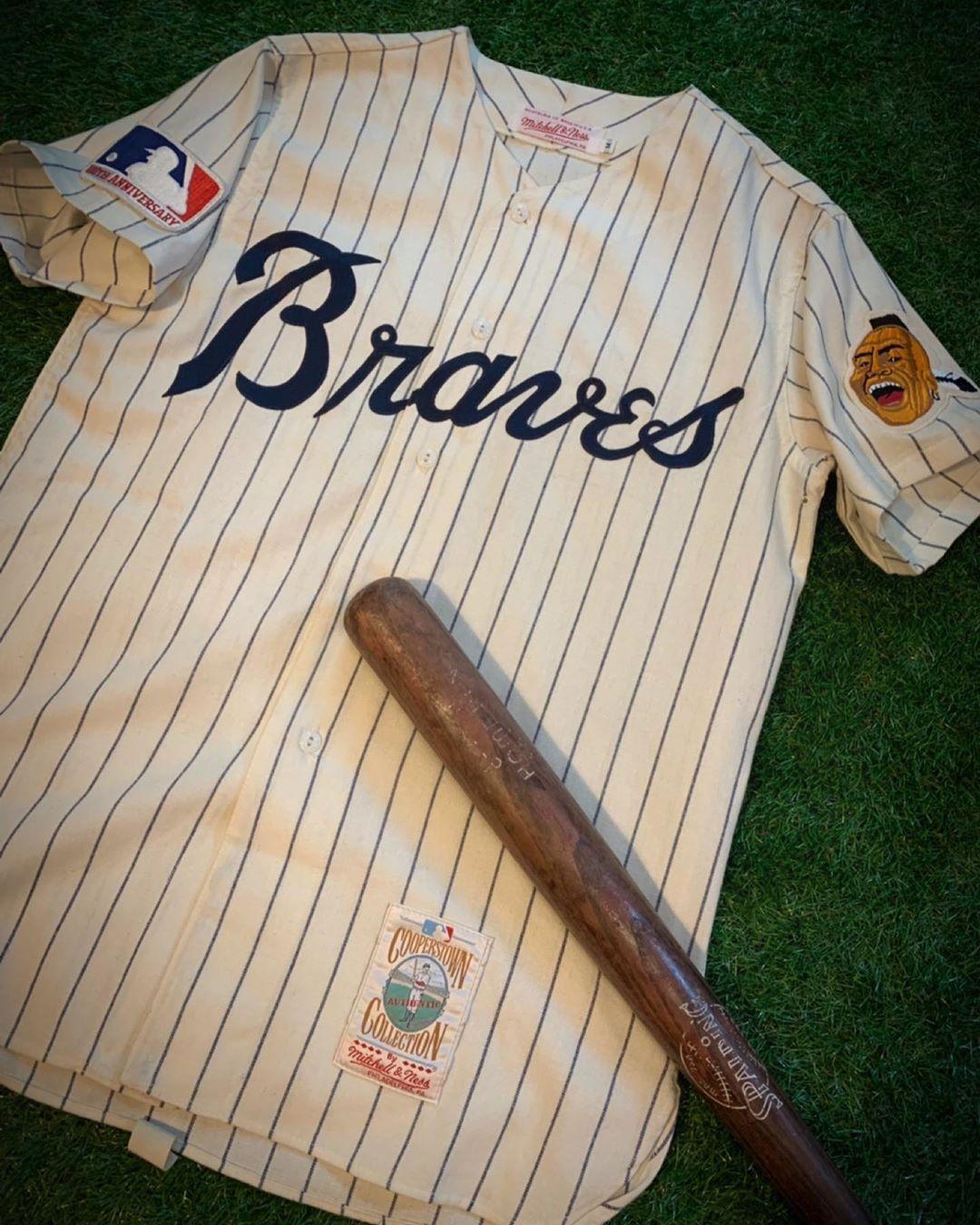 Unique Threads On Instagram Sold Vintage Hank Aaron 1969 Atlanta Braves Mitchellandness Flannel Jersey Size Men S M Atlanta Braves Braves Hank Aaron