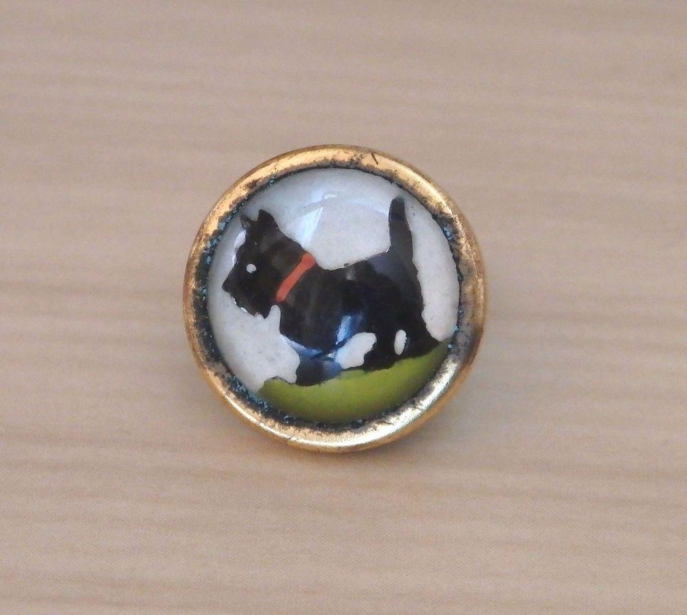 Vintage Essex Crystal Domed Glass Intaglio Scottie Dog Button