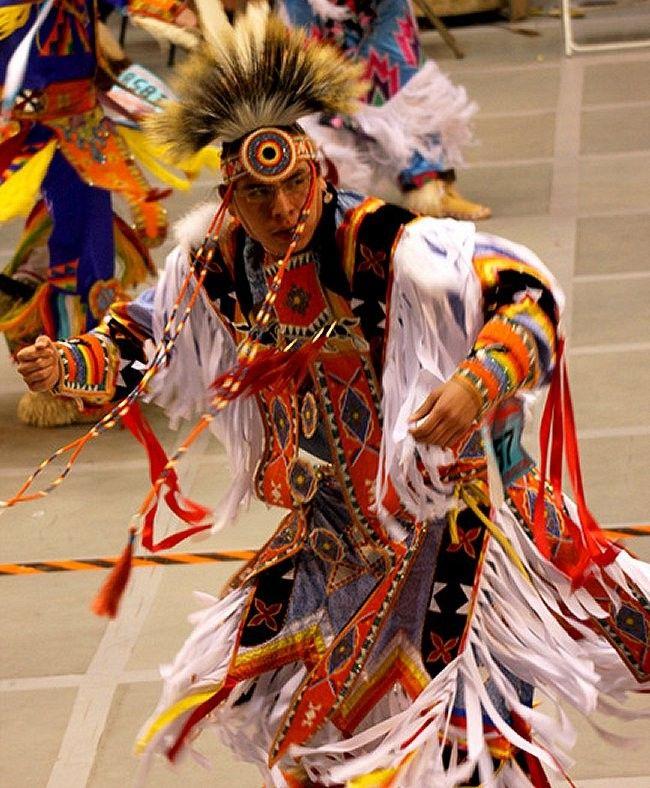 танцы с обручами американских индейцев показать видео