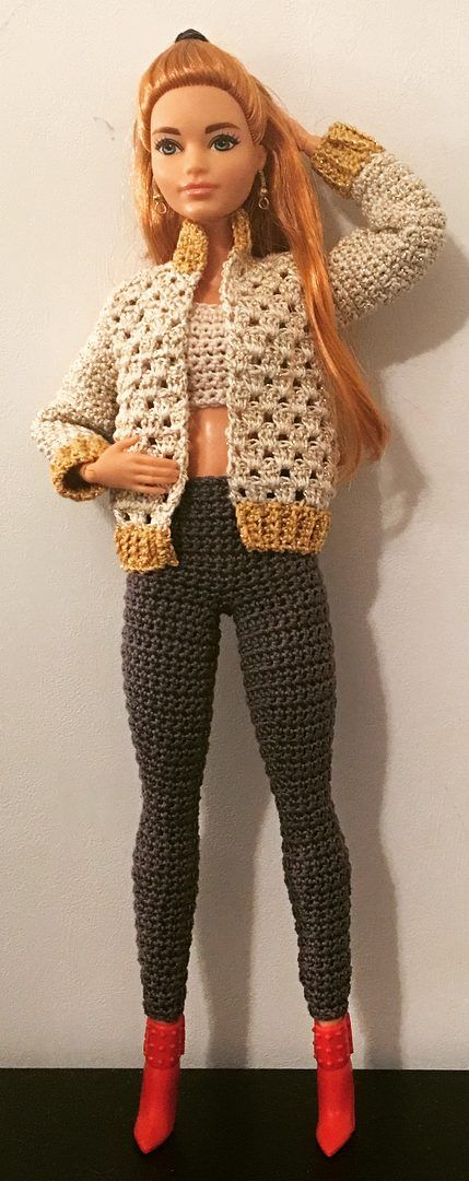 27 Free Crochet Barbie Clothing Model Ideas With You Colorize Your Toys! - Page 4 of 27 #crochetedbarbiedollclothes