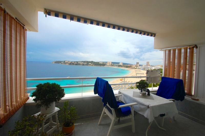 Apartment with sea views directly on the beach in Magaluf