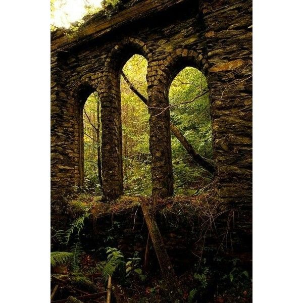 ruins of Summerhall Baratheon ❤ liked on Polyvore featuring backgrounds, game of thrones, image, photos and pics