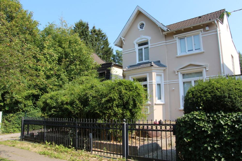 Jugendstilvilla Mit Japanischem Garten In Marienthal O M Jugendstilvilla Villa Japanischer Garten