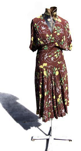 rayon print dress - deadlyvintage.com