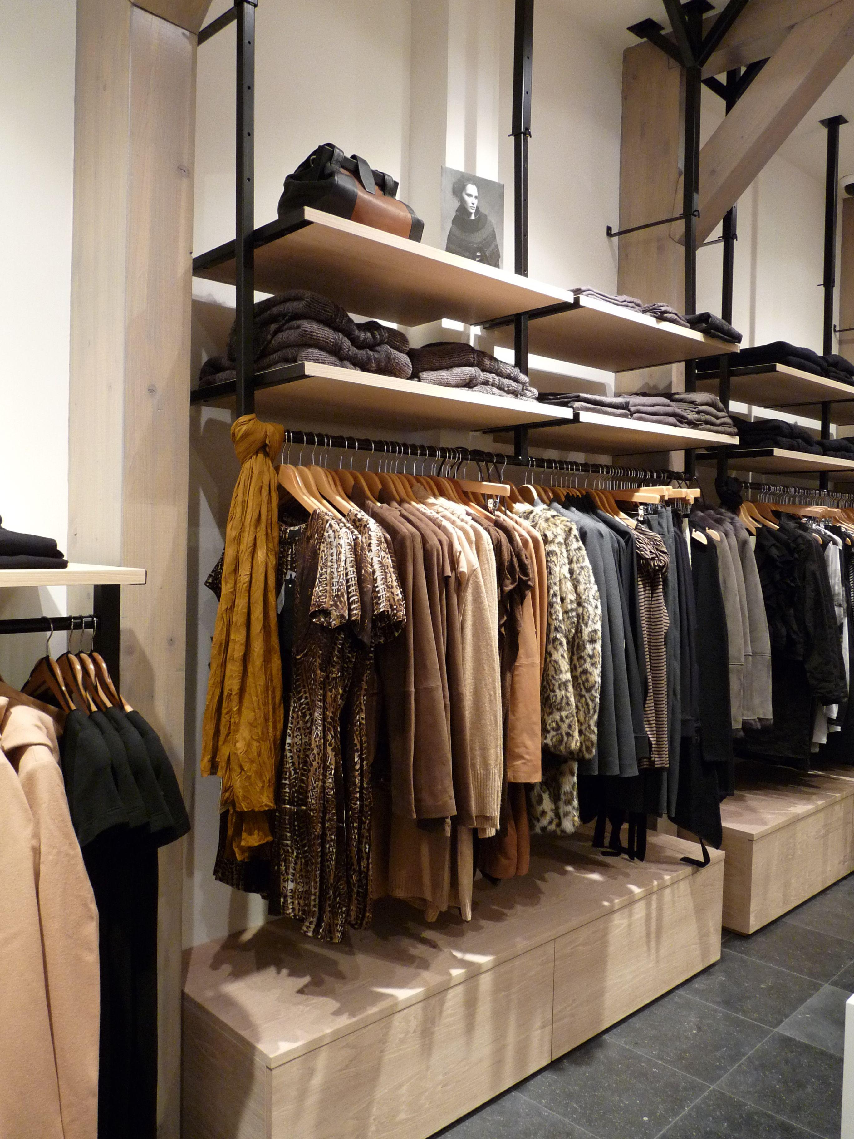 Maatwerk interieur kledingwinkel | Pipe design | Pinterest