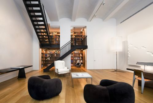 Selldorf Architects :: East Side Duplex, buying this large room under the duplex needing a way to connect the two. creating a niche off main room, intimate library with a mezzanine. this the landing for stairway. its beautiful. via:selldorf.com walking on sunshine:-)