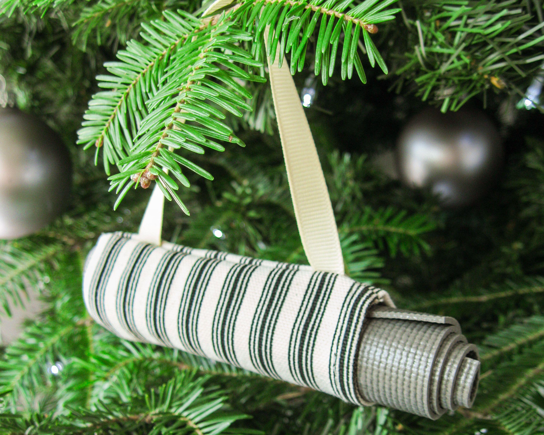 Yoga Christmas Tree Ornament Yoga Studio Decor Stocking Stuffer Christmas Gift For Yogi Wholesal Christmas Tree Ornaments How To Make Ornaments Yoga Studio Decor