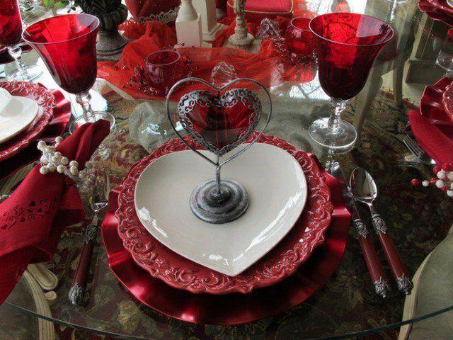 Une soir e saint valentin suprenez vos invit s for Decoration saint valentin