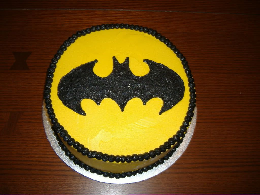 Batman Cake Oooh real easy to make d some batman