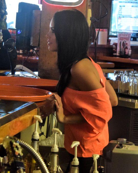 Pin On Hooters Waitress