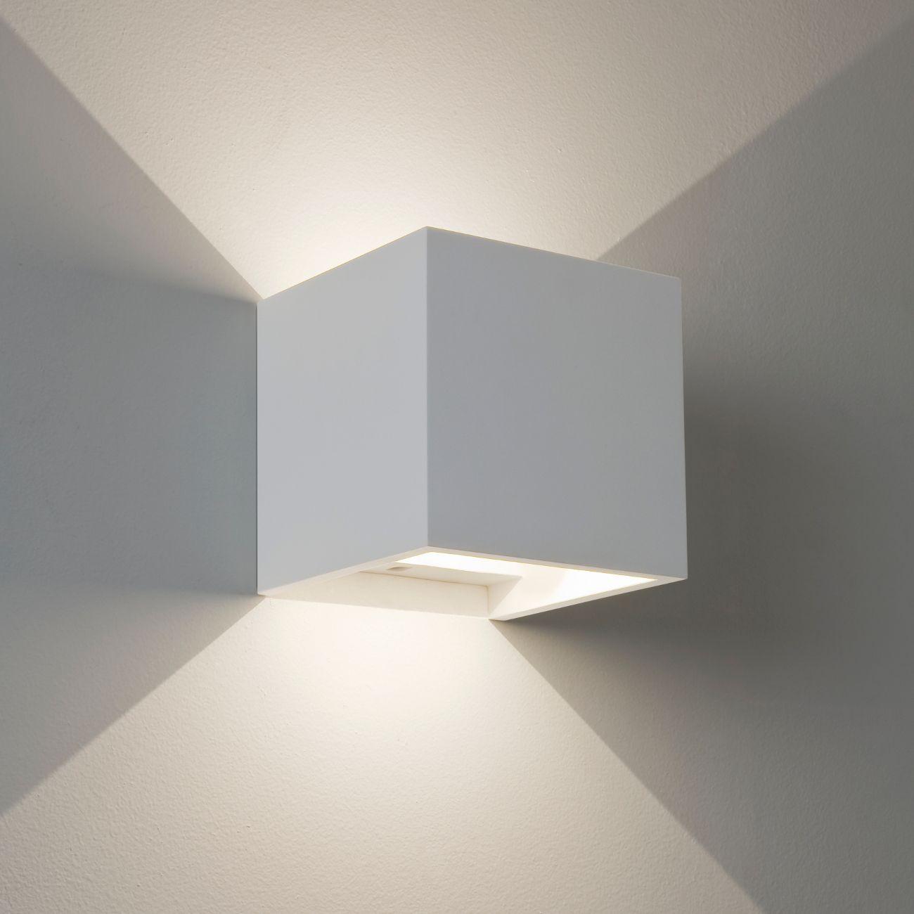 Wandleuchte in quaderform gips wei pienza led astro wei - Wandlampe indirekte beleuchtung ...