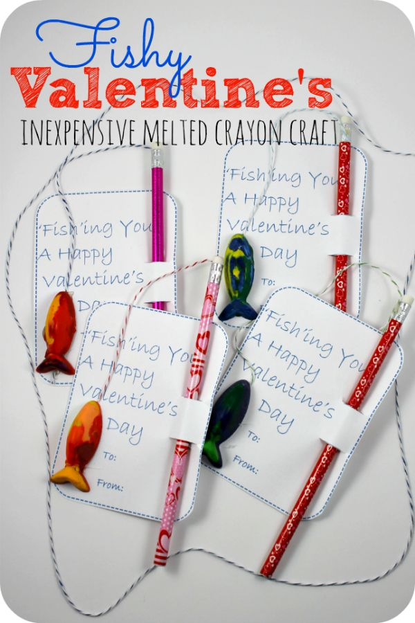 Easy Melted Crayon valentine craft. Valentines day cards. Homemade Valentines. Handmade Valentines cards. Fishy Valentine's