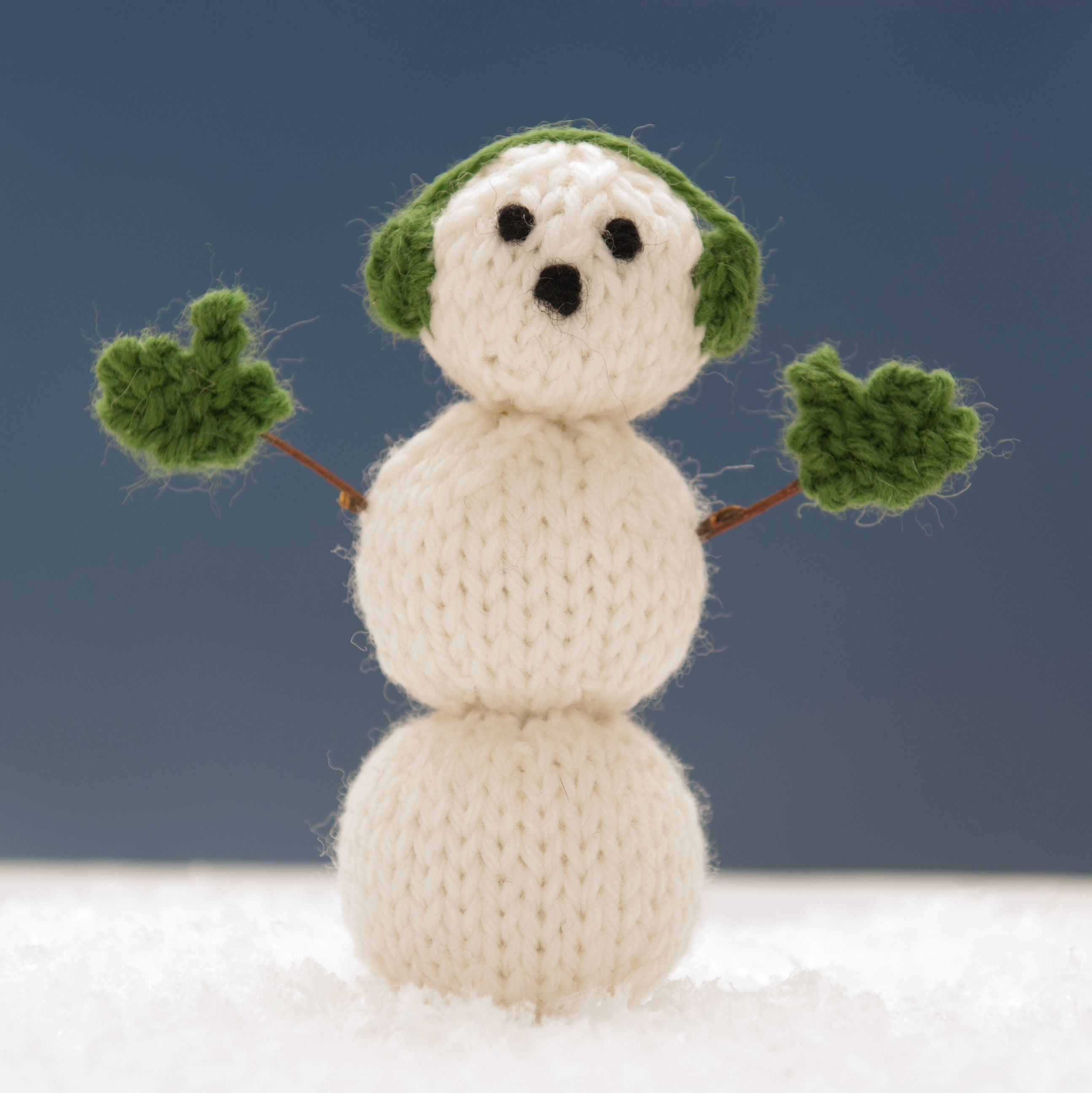 Millie from Snowman Family 1 knitting pattern. | Squibblybups ...