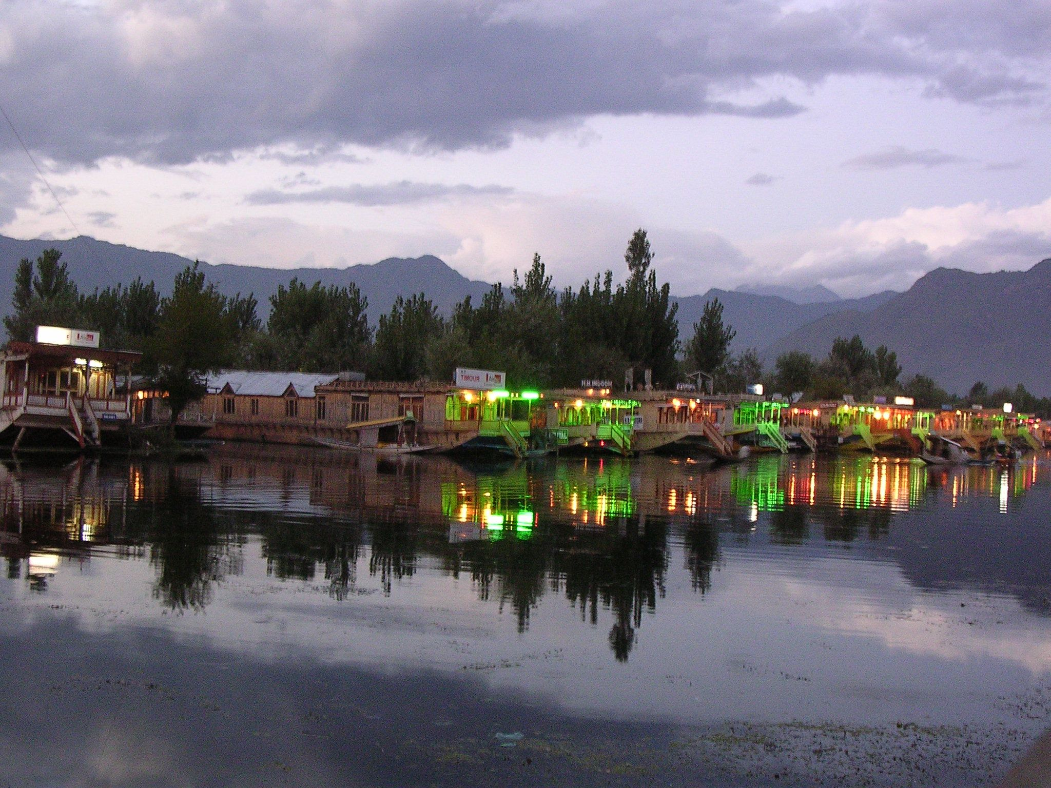 Hd wallpaper kashmir - Sirinagar Wallpapers Very Beautiful And Much Interesting Lovely Lake Sirinagar Wallpapers Background Image