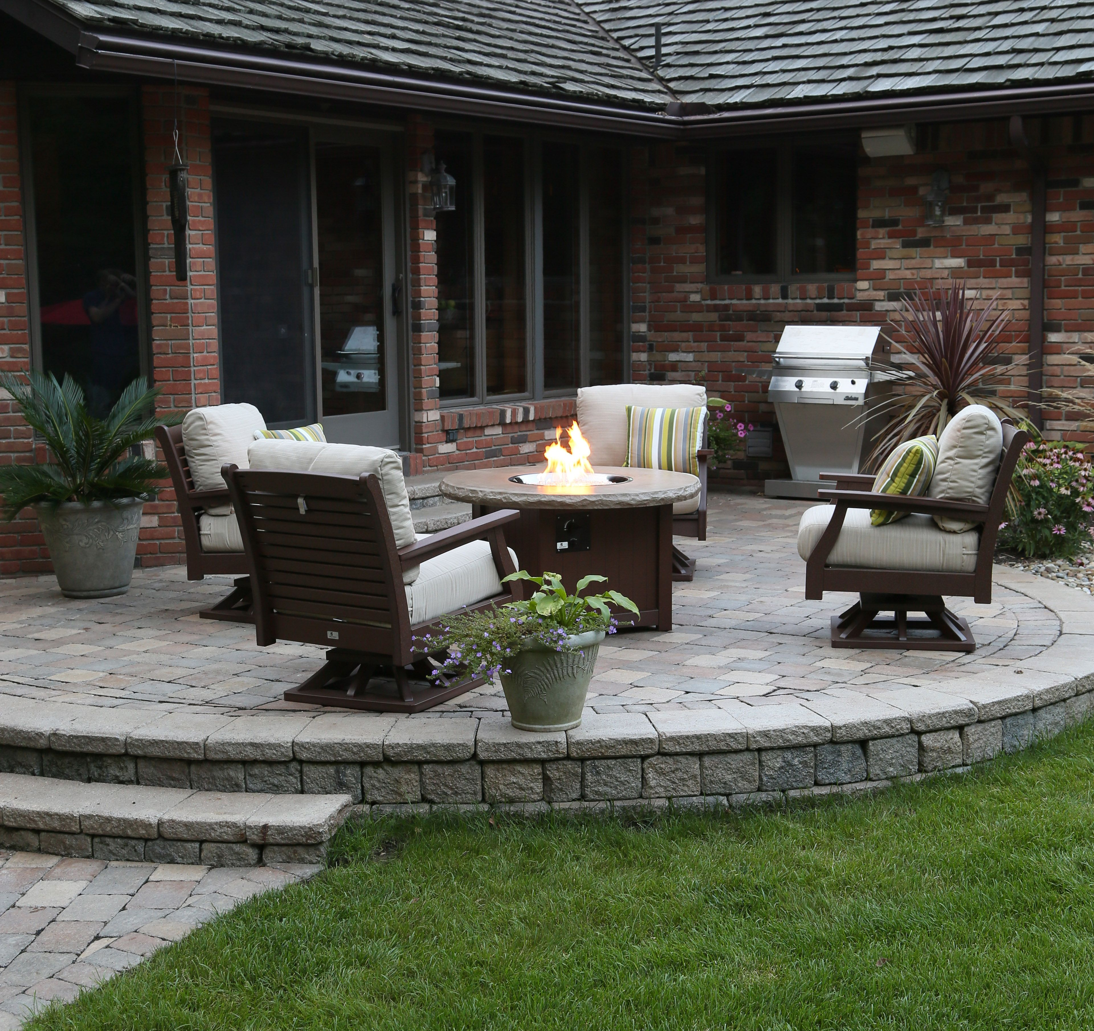 Deep Seating with a Berlin Gardens Donoma Concrete Top Fire Pit