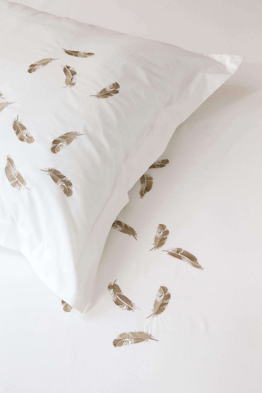 Bouchara Collection Linge De Lit Plumes Bouchara Collection Www Bouchara Com Bed Bed Pillows Pillows