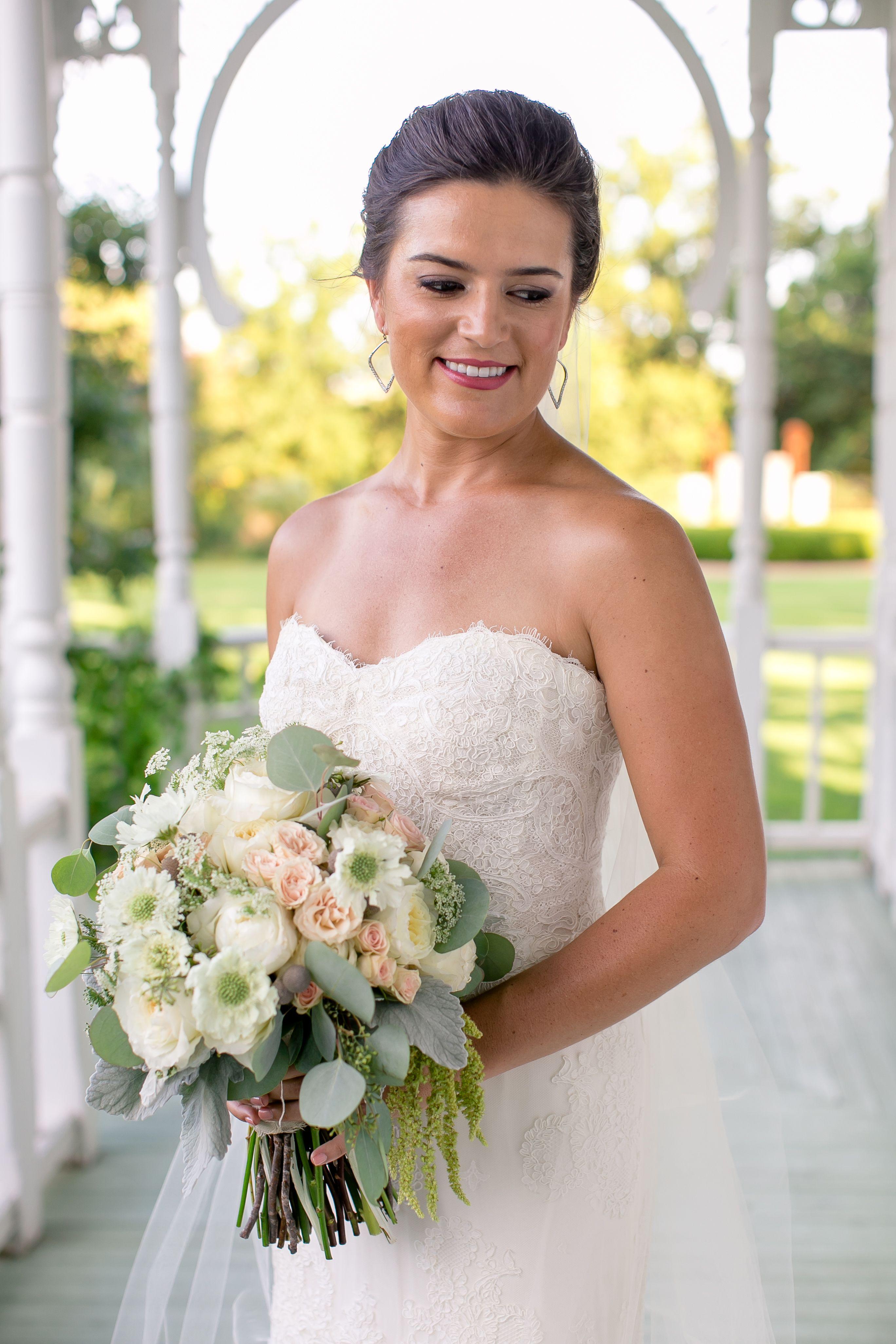 Carissa Will Carry A Naturally Shaped Bouquet Of White Mini Calla