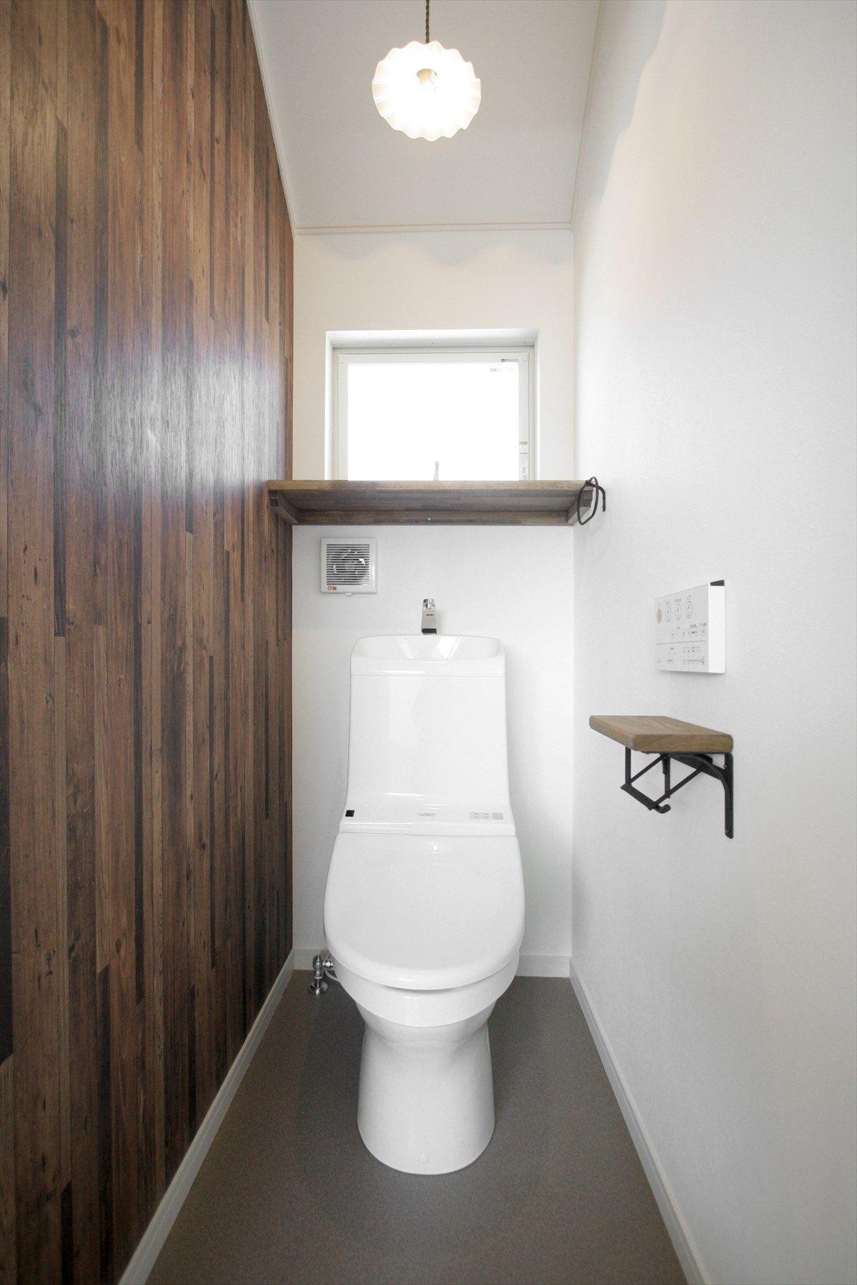 トイレ サニタリー Toilet Rest Room 木目 Wood アクセントクロス