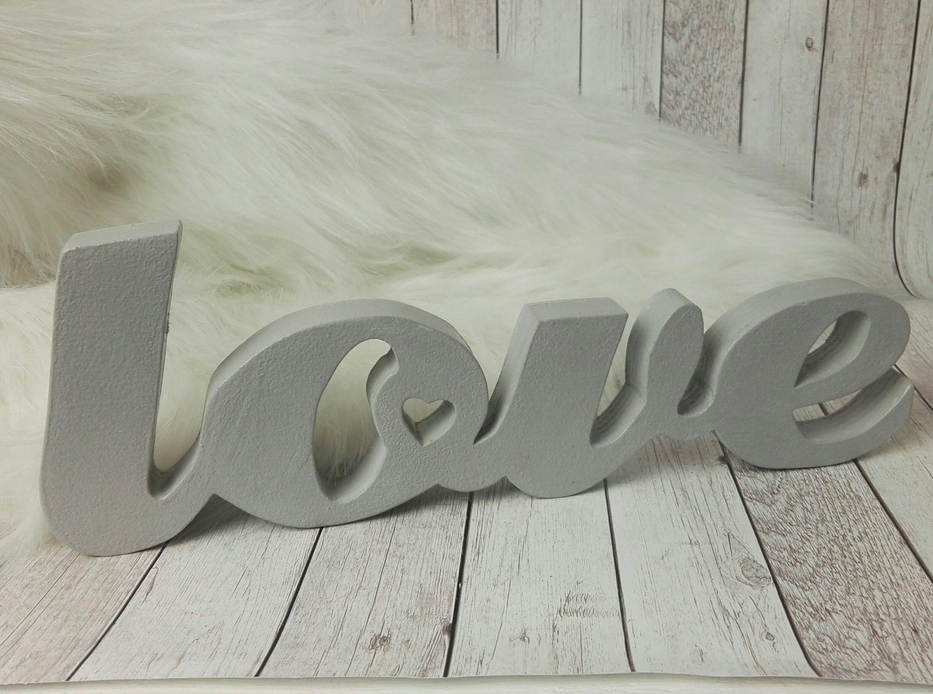 Napis Love Szary Drewniany Ampersand