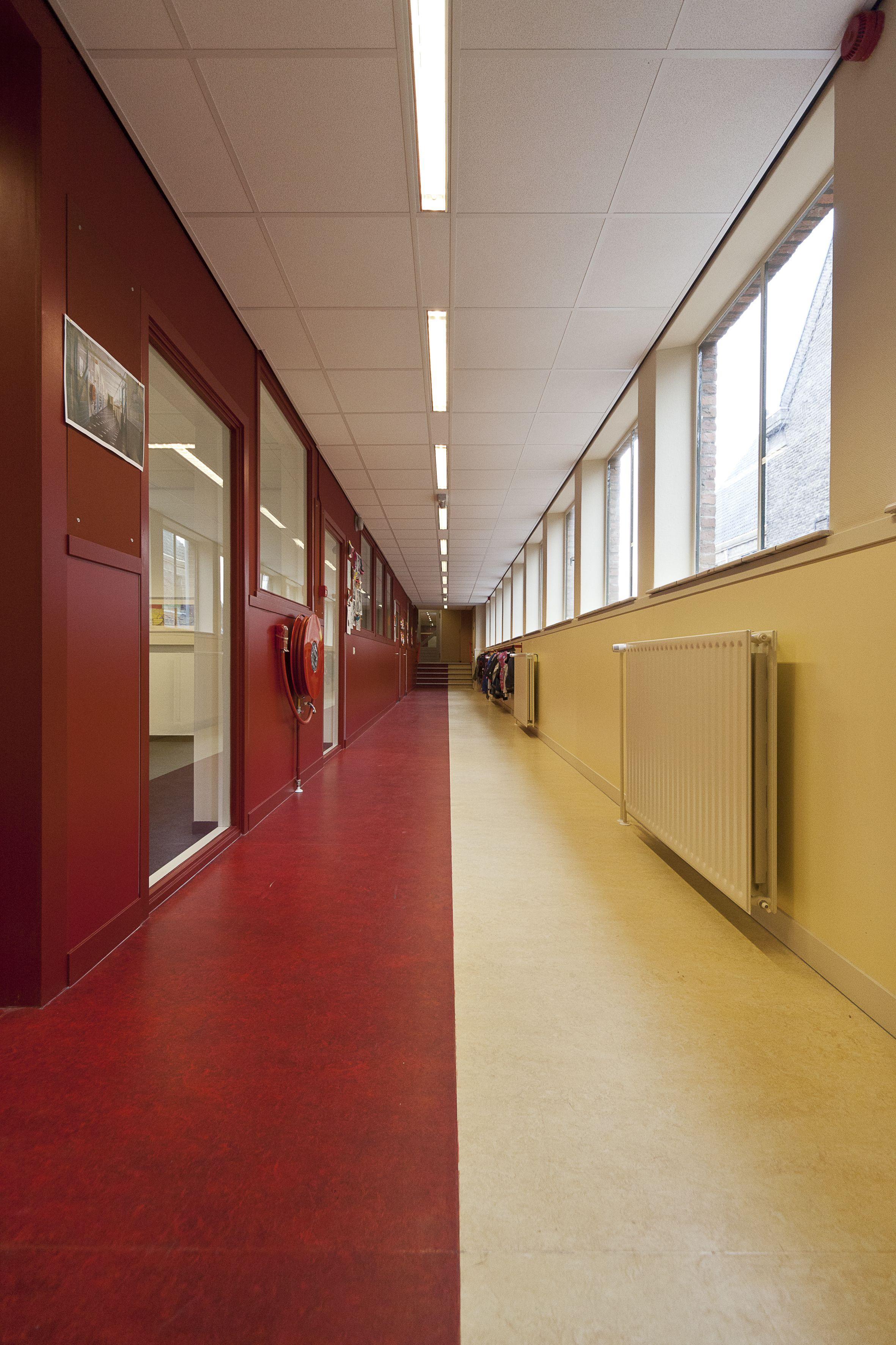 Imeldaschool By Studio Ni3 Aswa Architecten Fundos Para