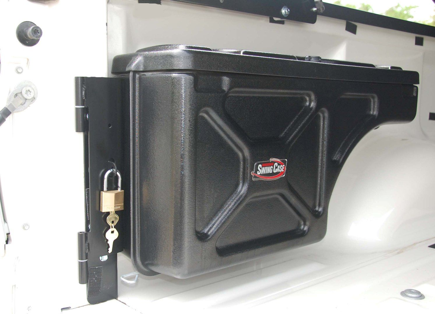 Undercover Swing Case Truck Tool Box 2004 2012 Chevy