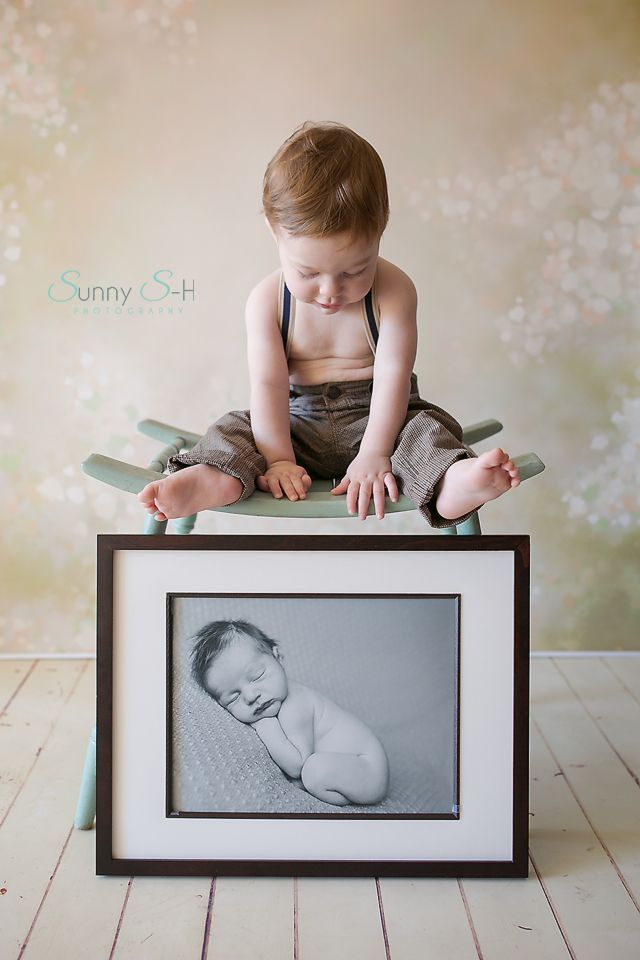 First Birthday Incorporate Babies Newborn Photo I Love This Because He Happe De First Birthday Photography 1st Birthday Pictures First Birthday Pictures