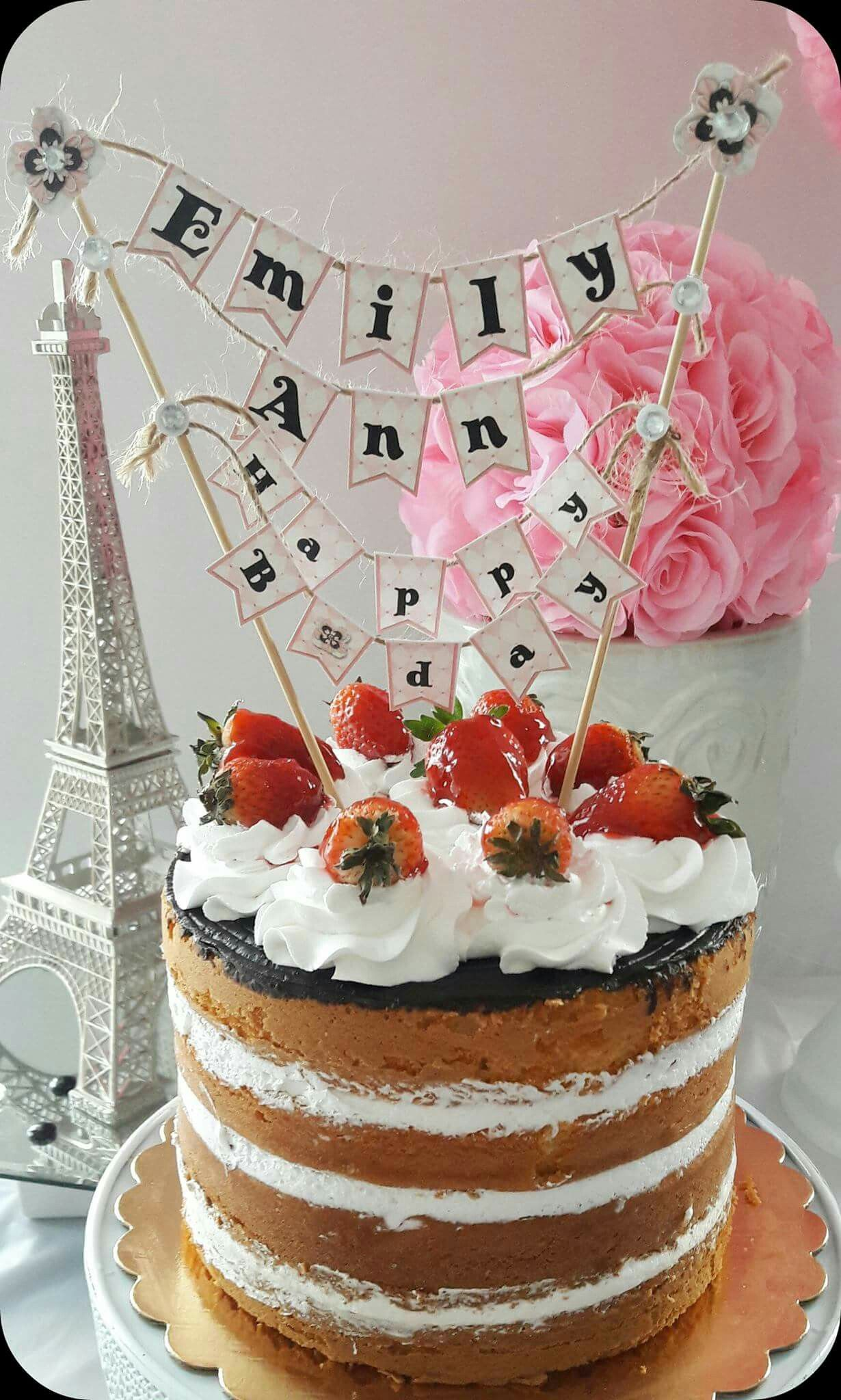 Guirnalda para decorar el dulce Hazte fan: Facebook Crafts by Iris instagram @craftsbyiris