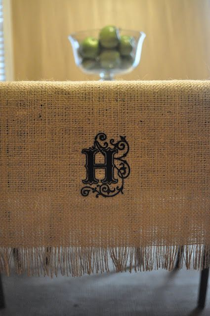 Burlap Table Runner In Under 10 Minutes For Sofa Table Or For Kitchenette Table Using Iron On Monogram Cajun Blogg Burlap Table Runners Diy Burlap Burlap