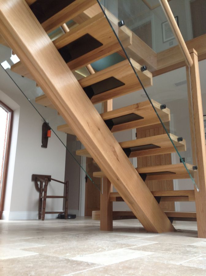 Best Oak Spine Stairs With Glass Balustrade And Landing 640 x 480