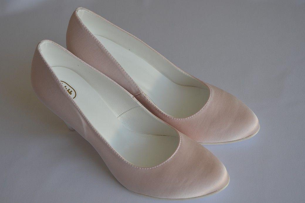 Suknie Slubne Wroclaw Salon Sukien Slubnych Wroclaw Shoes Wedding Shoe Fashion