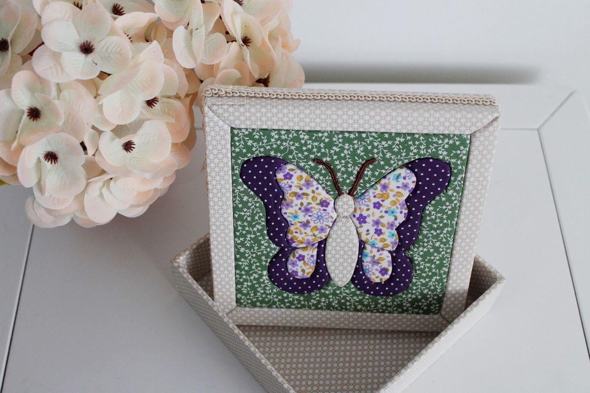 Caixa em MDF revestida com tecido e tampa trabalhada em patchwork embutido.    *É possível alterar o desenho da caixa, bem como, os tecidos, as cores e estampas.