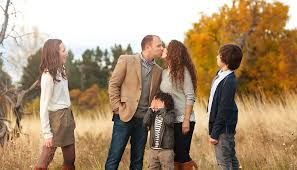 Image Result For Family Photo Ideas Outside Fall