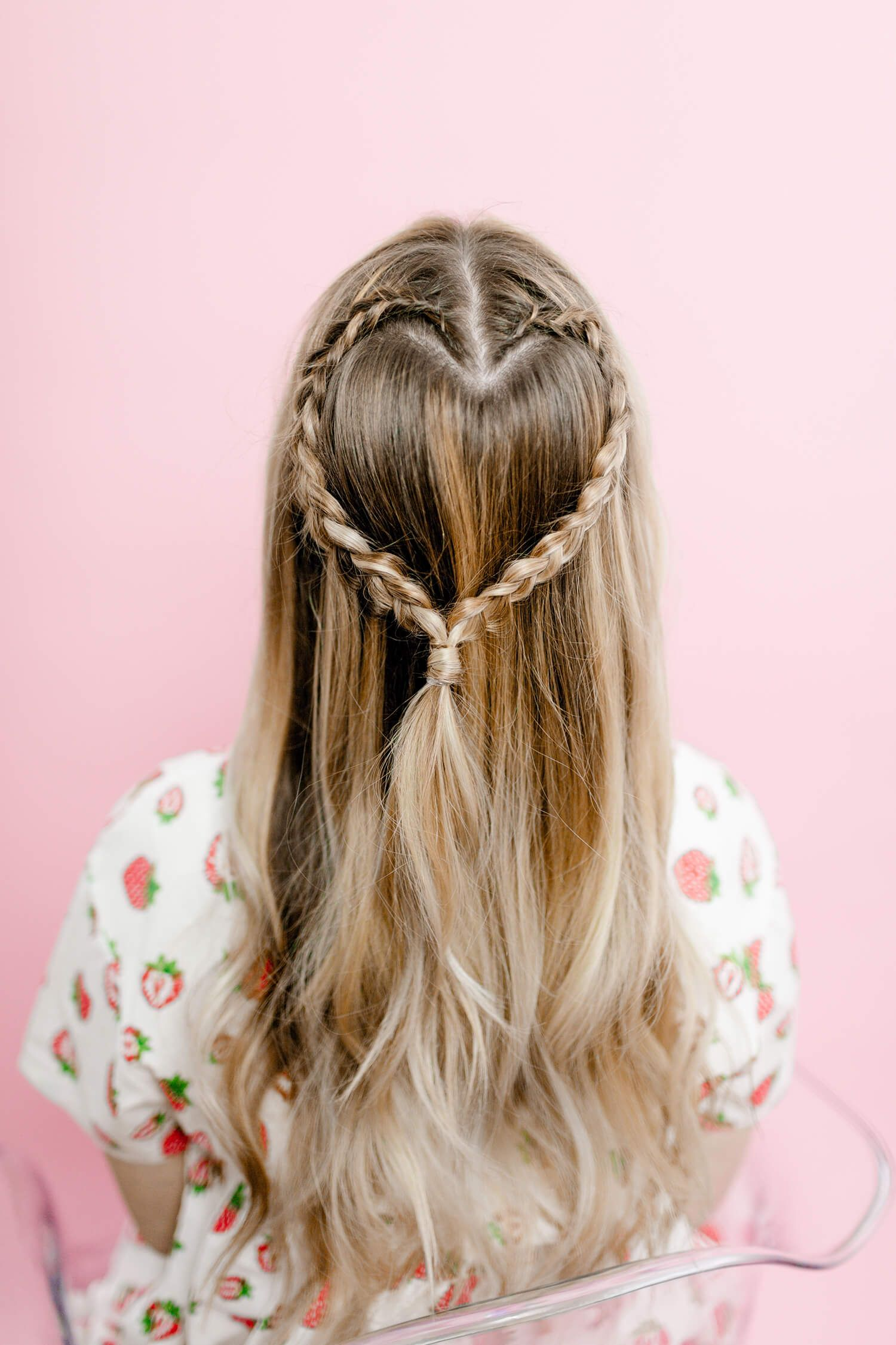 Easy Heart Shaped Braid A Beautiful Mess Braided Hairstyles Easy Braided Hairstyles Heart Braid