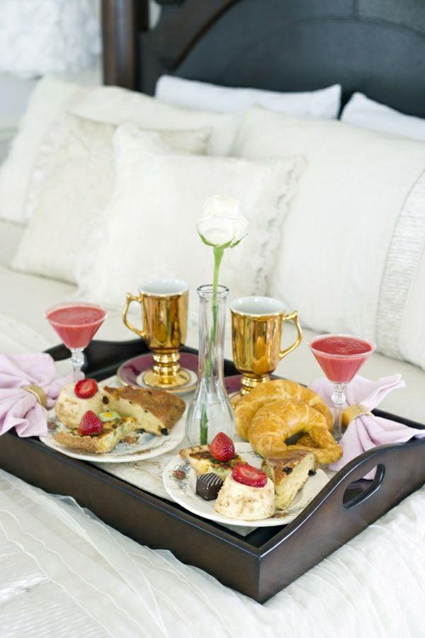 Frühstückstablett frühstückstablett aus holz im betz lazy sunday lazy
