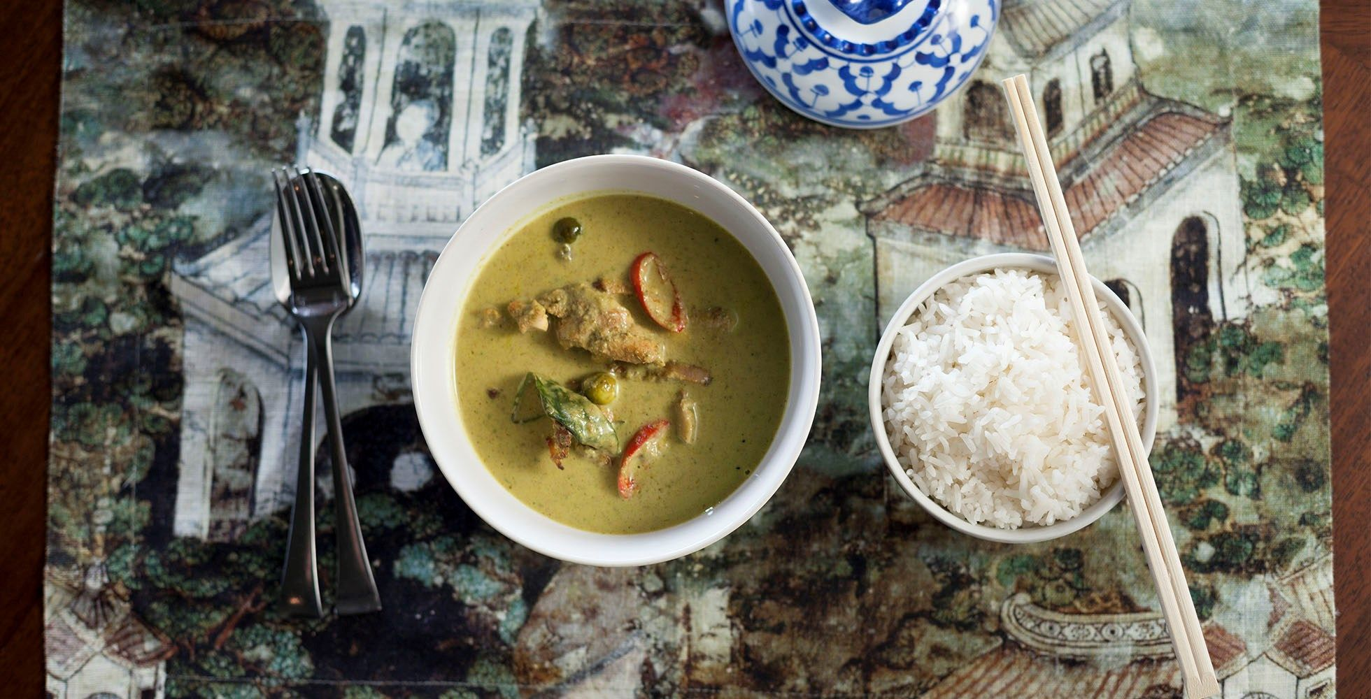 Busaba Eathai is a chain of modern Thai restaurants with a simple but authentic and fresh menu. Chef Jude Sangsida from Busaba Eathai gives you three essential tips for making the best green curry you can.