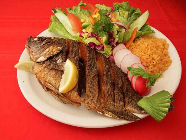 Mojarra Al Horno Como Preparar Esta Receta Típica De La Gastronomía De Cartagena De Indias Www Cart Receta De Mojarra Recetas De Pescado Frito Pescado Frito