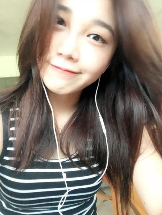 A Pink's Jung Eunji Sh...