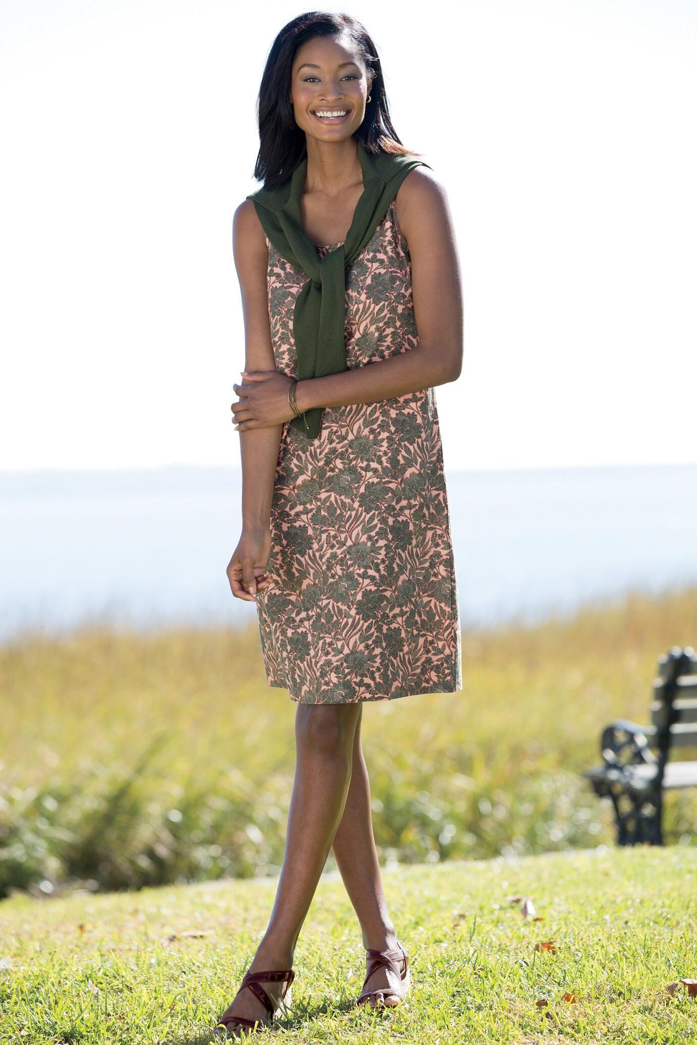 Short Linen Dress: Classic Women's Clothing from #ChadwicksofBoston