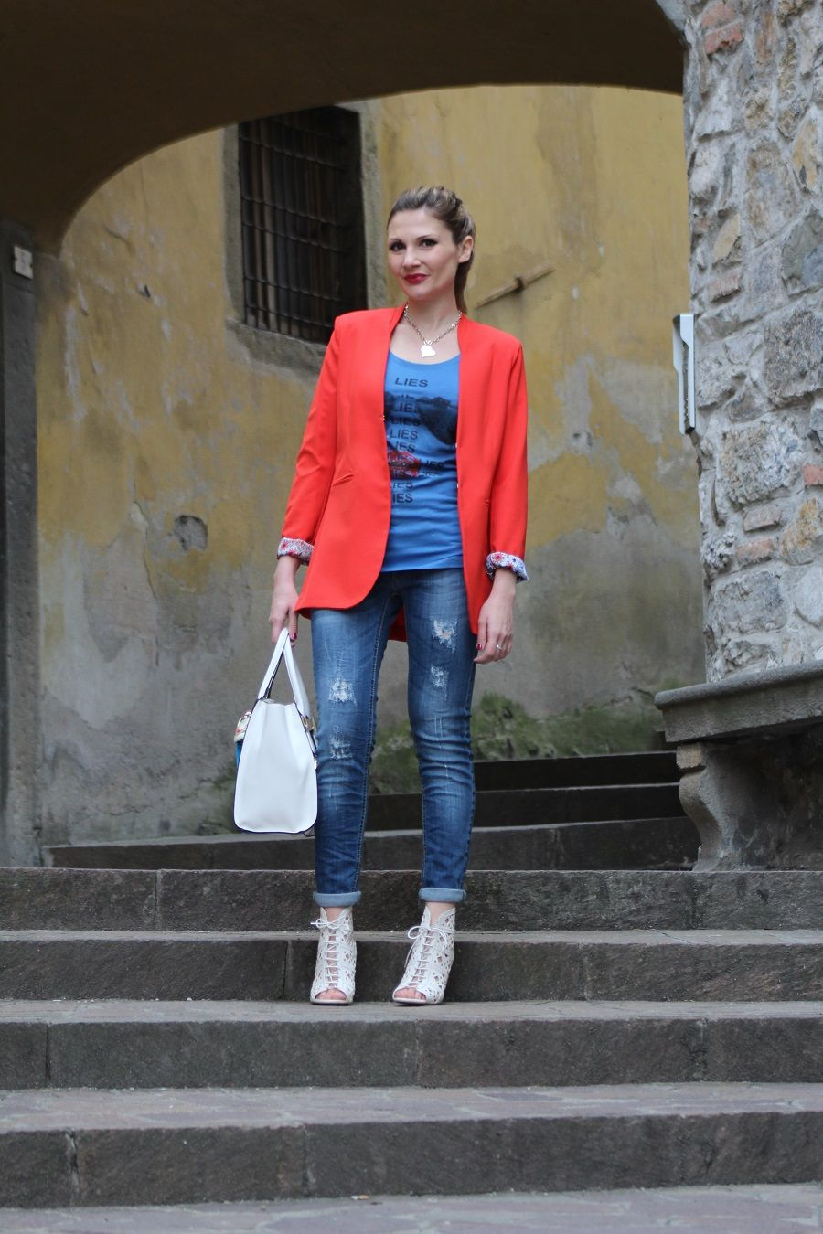 Blazer rosso , Red Blazer, Fashion blogger outfit \u0026 styling tips