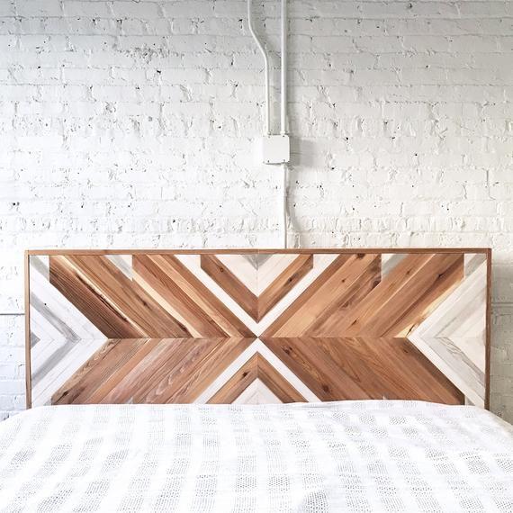 Cabecera Natural Chevron - The Tribal - Arte original de la pared - Tabla de cama de la casa de campo - Orgánico - hecho a mano en Los E.E.U.U.